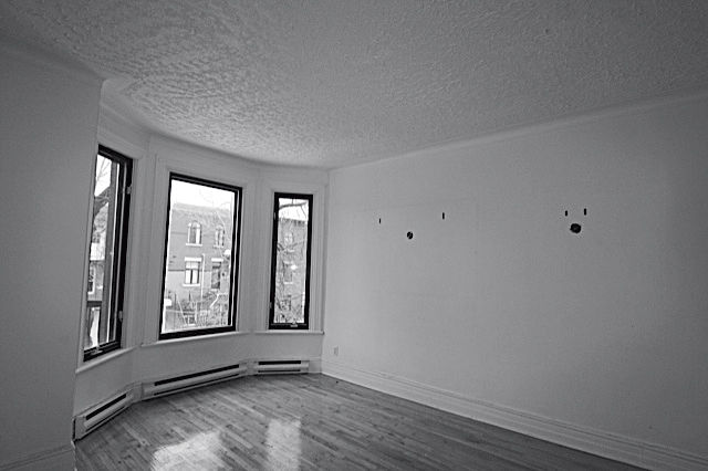 Montreal apartment master bedroom before renovation