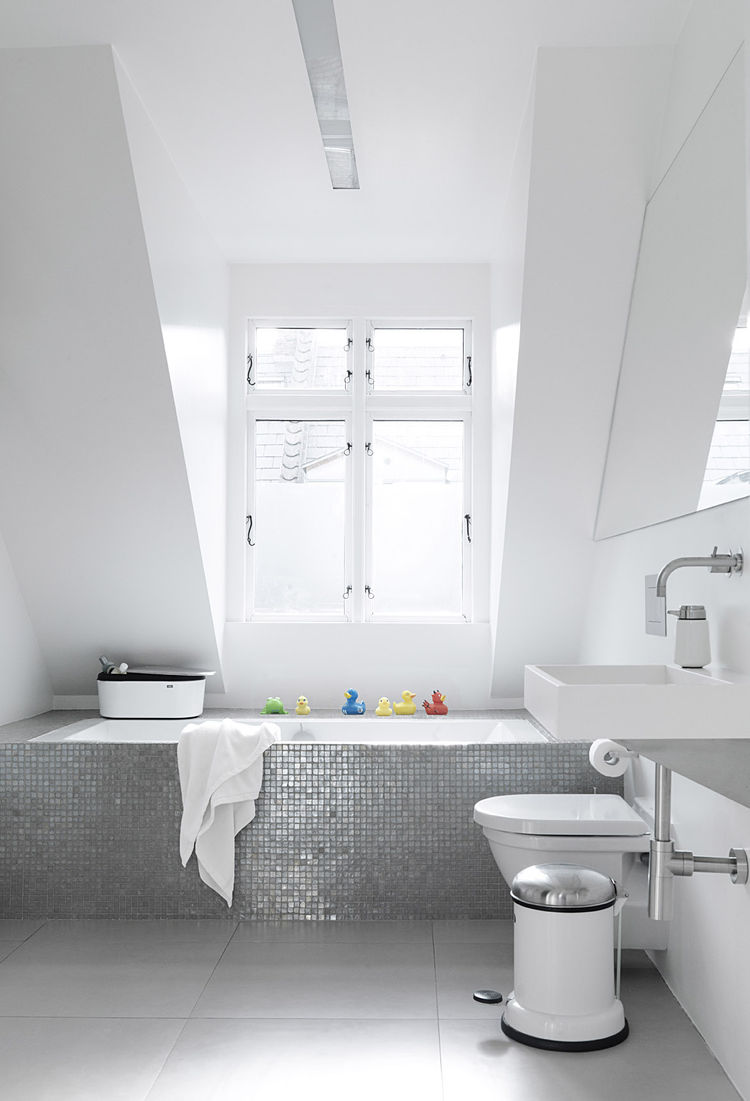 Monochromatic Bathroom in Copenhagen Townhouse