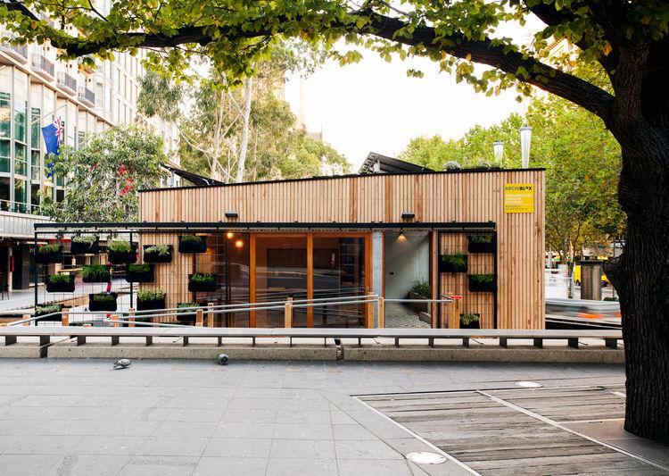 Carbon-positive prefab house exterior