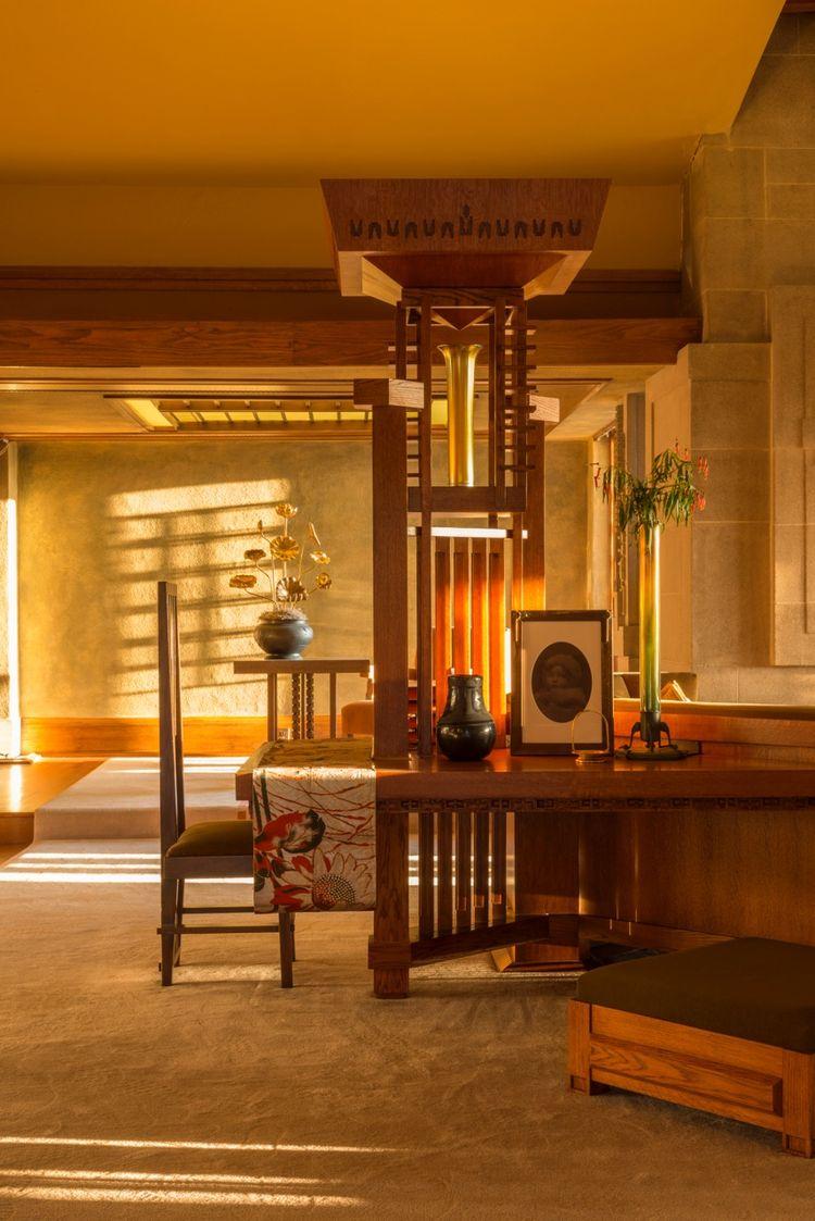 Frank Lloyd Wright Hollyhock Los Angeles living room