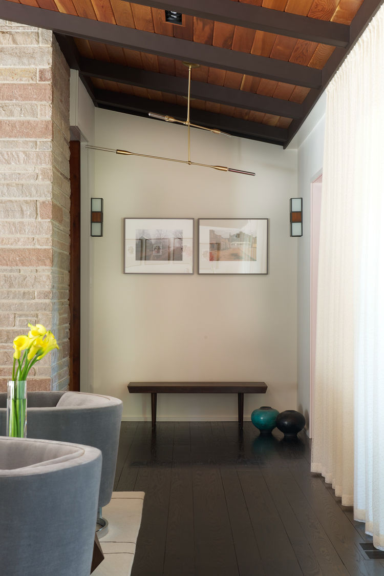Stonefox house with Studio Dunn lights in the entryway