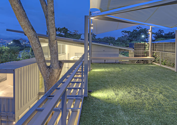 Costa Rican Shipping Container Home Casa Incubo Roof