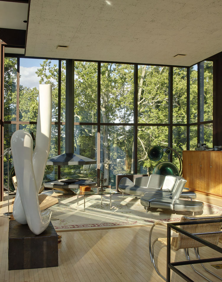 Midcentury interior designed by Philip Johnson
