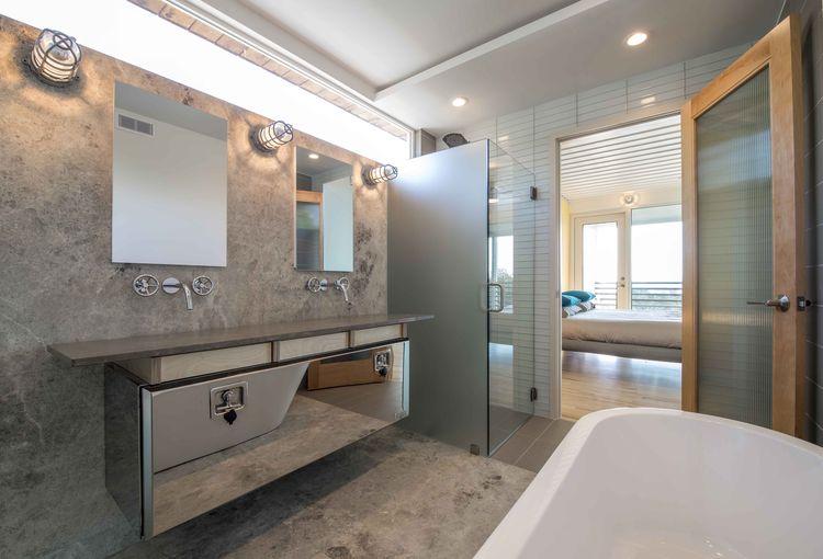 PV14 Dallas House Master Bathroom