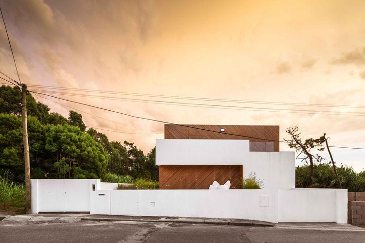 Portuguese beach house exterior