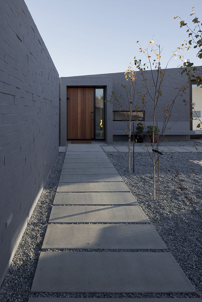 Lake Hawea Courtyard House concrete slab walkway