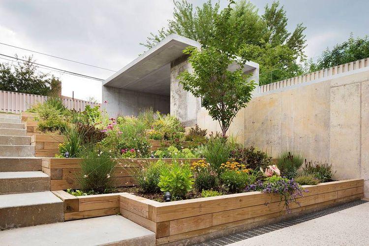 Choy House backyard planter boxes.