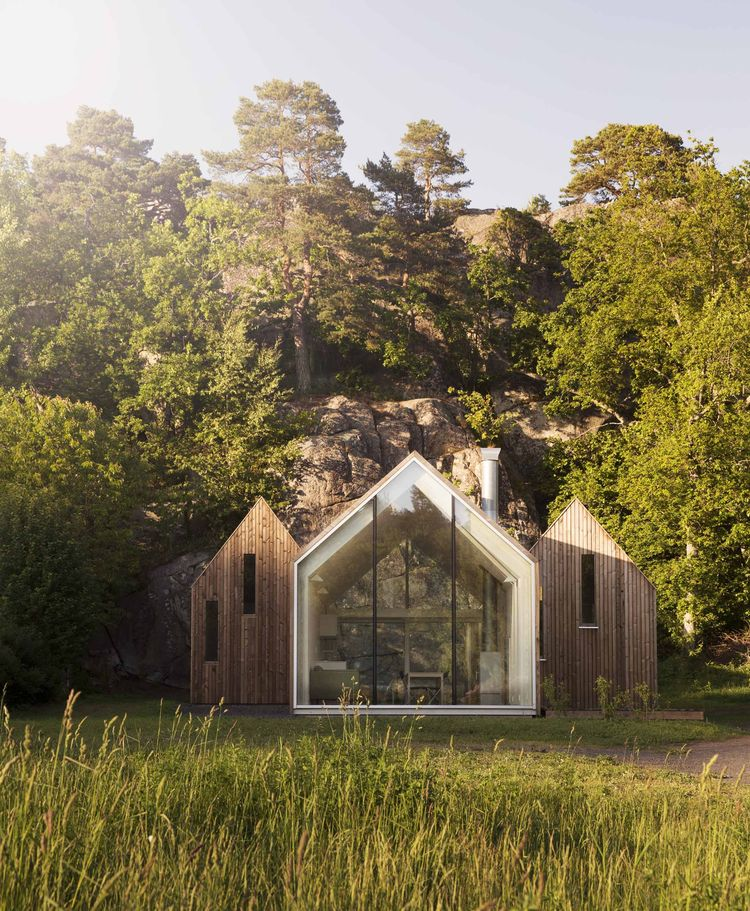 Micro Cluster Cabins in Norway are located beside the sea.