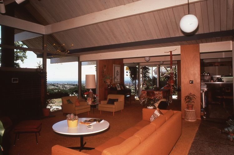 Living room, Balboa Highlands, Granada Hills, California, by Joseph Eichler.