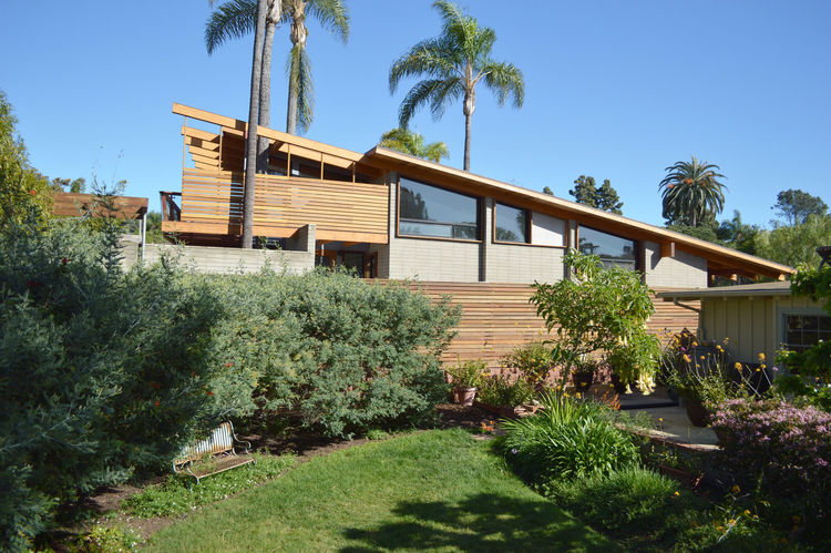 The El Dorado home by Steven Lombardi in La Jolla Shores