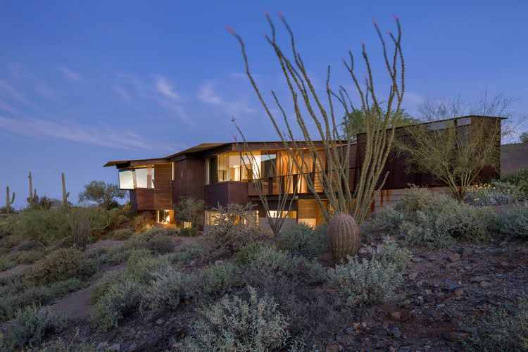 The Byrne Residence, designed by Will Bruder of Will Bruder Architects