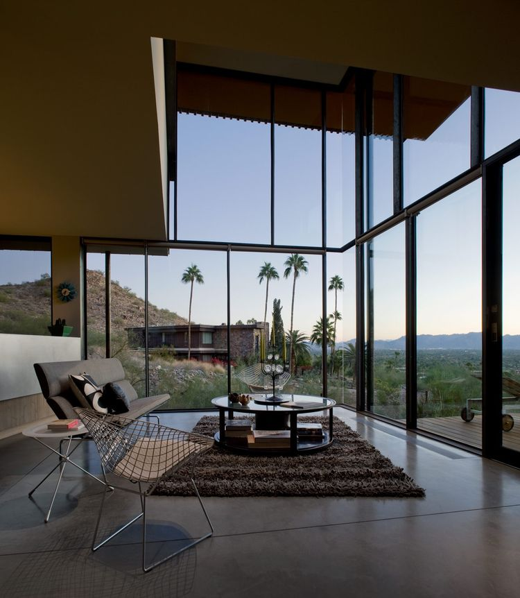 The double-height living room of the Jarson Residence, designed by Will Bruder of Will Bruder Architects