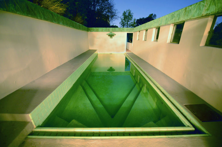 The pool of the Samuel-Novarro House.