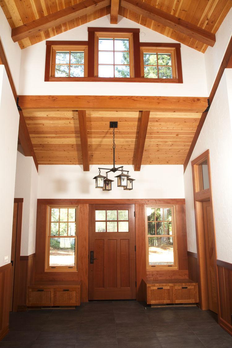 A Healdsburg home incorporates redwood elements