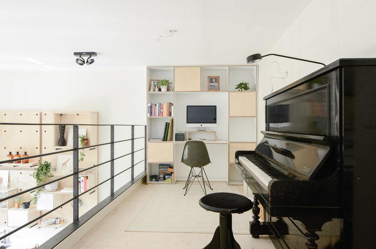 Onsdorp schoolhouse renovation loft office