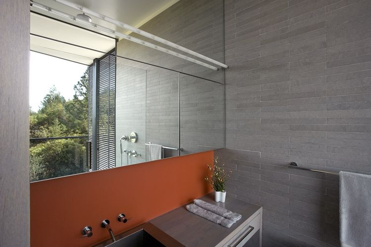 Olive Grove House bathroom