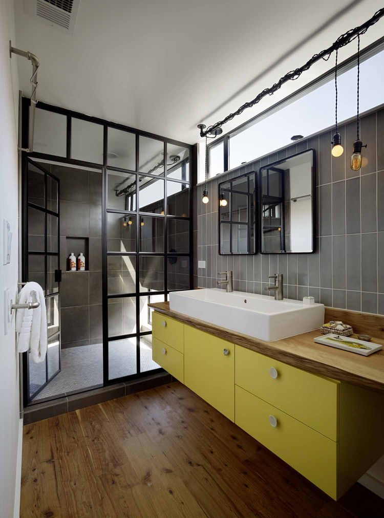 San Francisco floating home bathroom