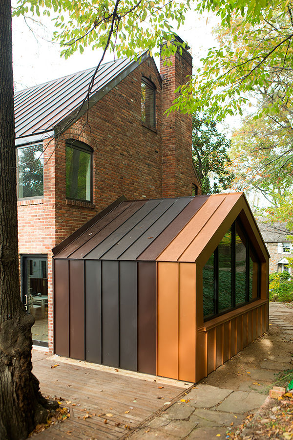 Metal standing-seam addition in Arlington, Virginia