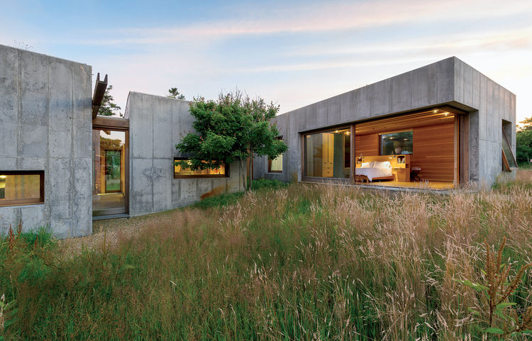Martha's Vineyard prefab made of modular concrete boxes