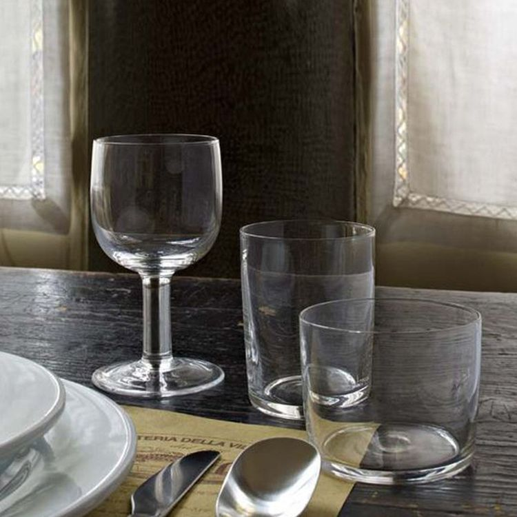 Simple glassware collection by designer Jasper Morrison