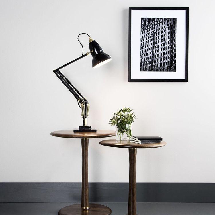 Classic 1934 desk lamp design