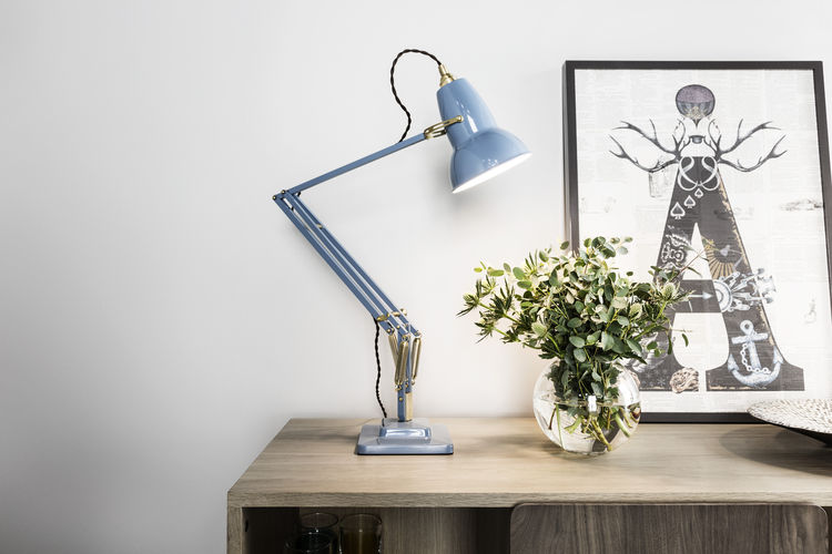 Classic desk lamp with new brass details