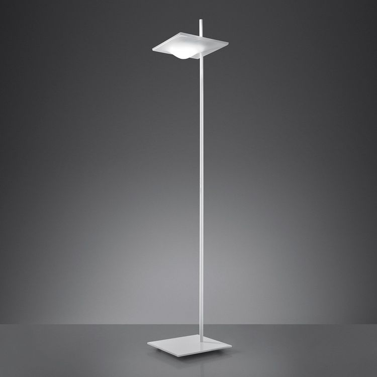 Sculptural floor lamp in vivid white plastic and metal