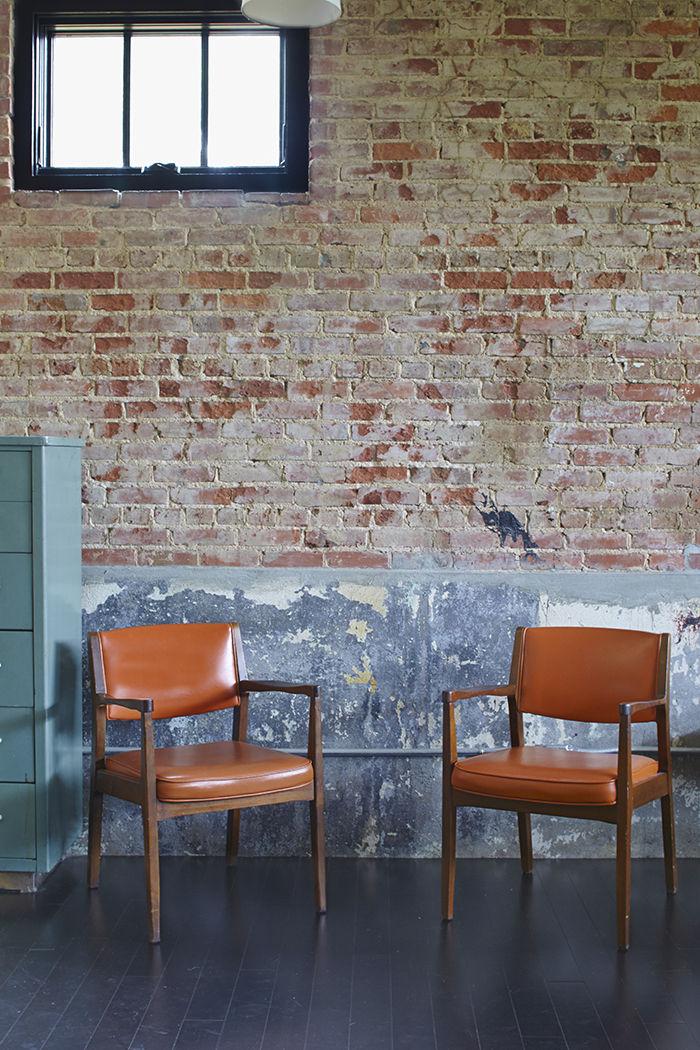 moden auburn bragg house furniture chairs brick