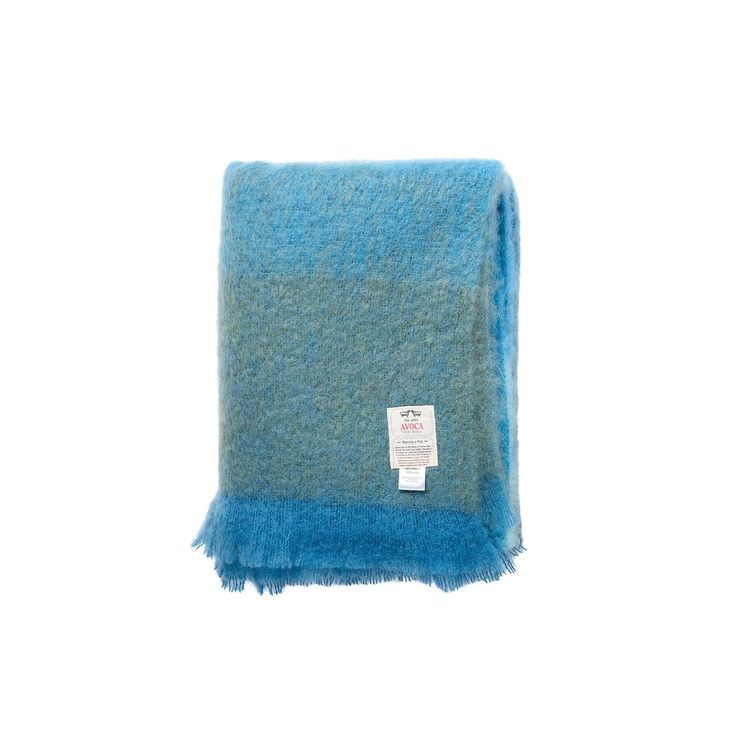 Blue hand-knotted throw blanket in ombre