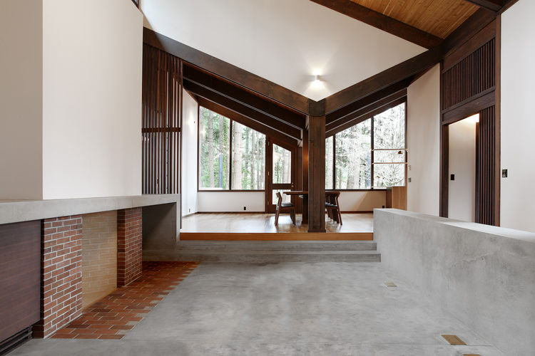 Japanese-Inspired Bainbridge Island house concrete hearth
