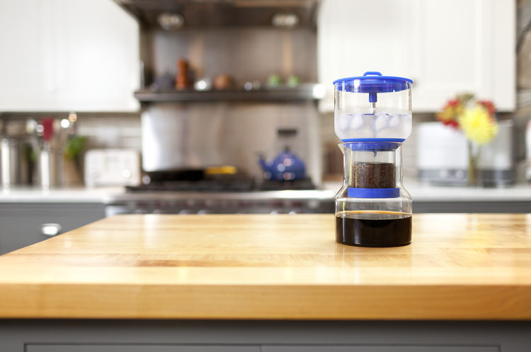 Glass cold brew coffee maker