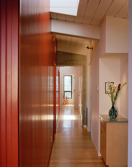 Hallway of Bay Area midcentury modern renovation by Buttrick Projects.