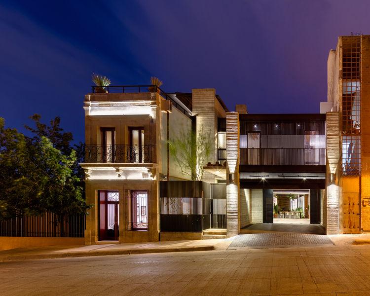 Calle Segunda facade