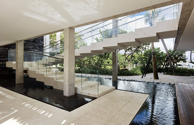 Casa Bahia floating staircase by Alejandro Landes