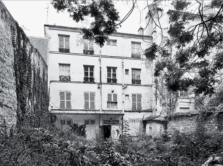 Modern Parisian adolescent home renovation by Damien Brambilla before renovation outdoor facade