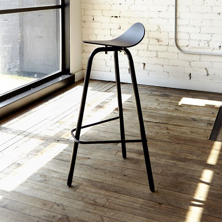 Distinctive stool inspired by motorcycle seats