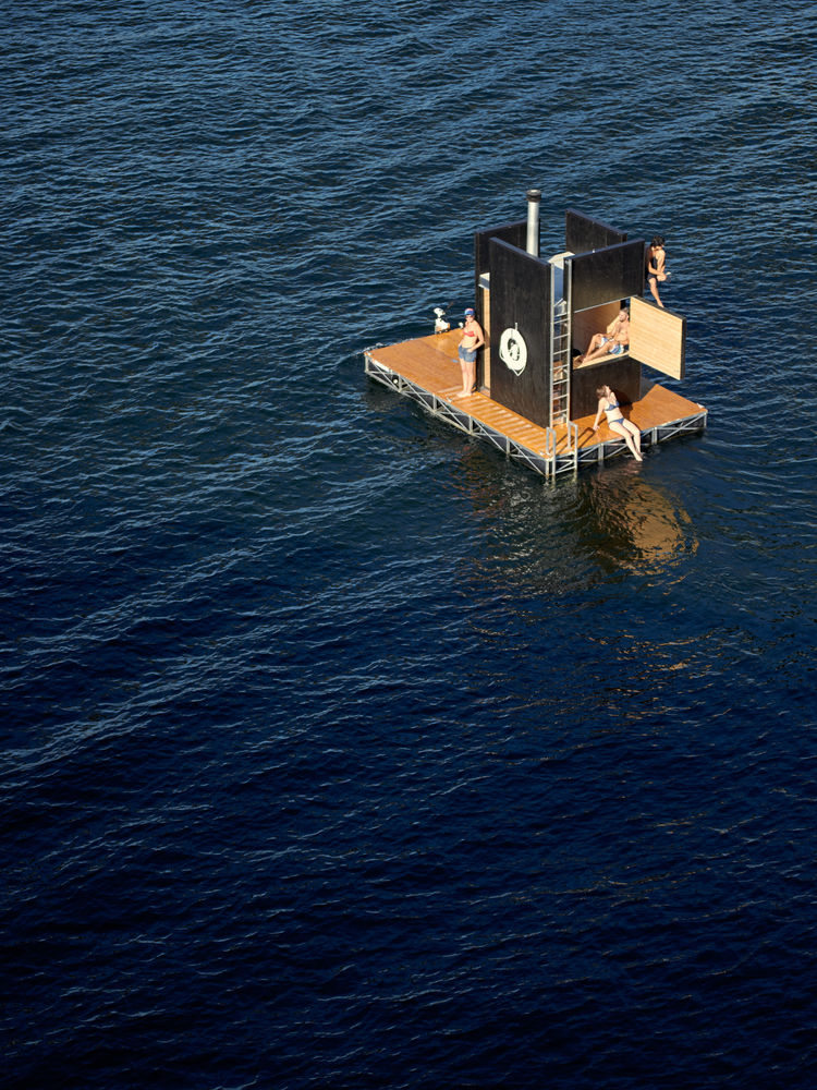 Floating sauna in seattle waterfront by GOcStudio