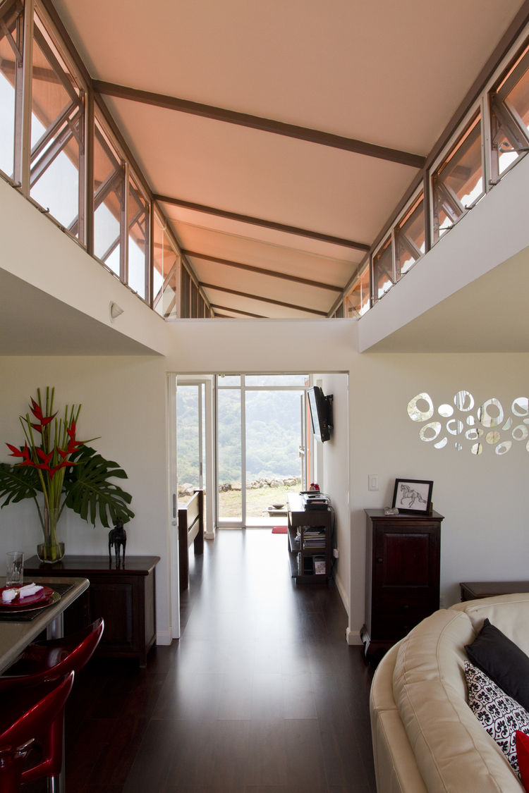 Wood floors and clerestory windows in Costa Rica container home