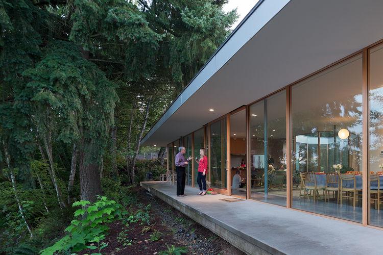 modren overhang concrete terrace deck