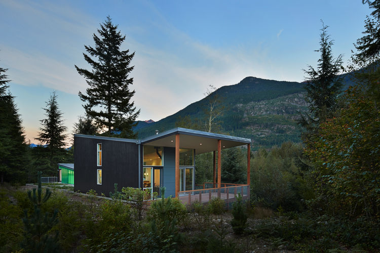 HardiePanel and benjamin moore paint exterior of modern Seattle cabin by David Coleman.