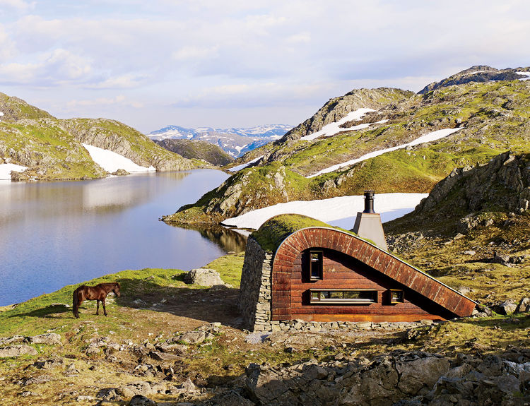 Secluded prefab in Norway