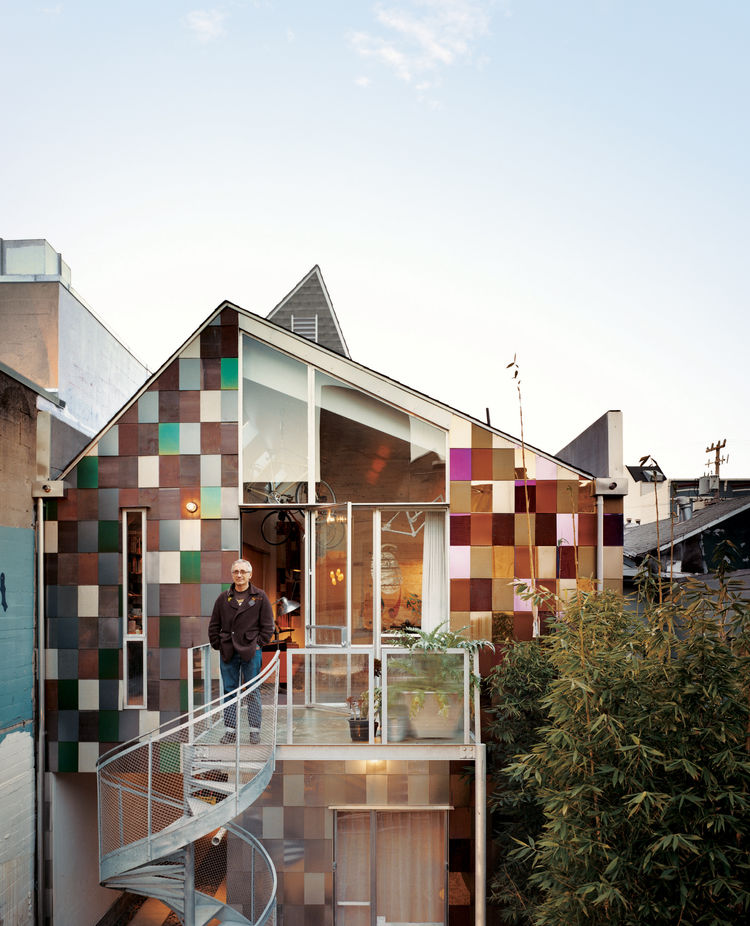 San Francisco home with recycled shingles