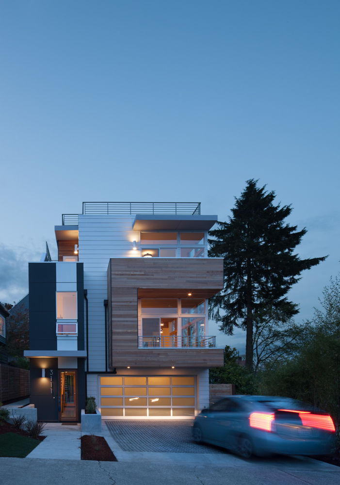 Exterior of Seattle home by JW Architects