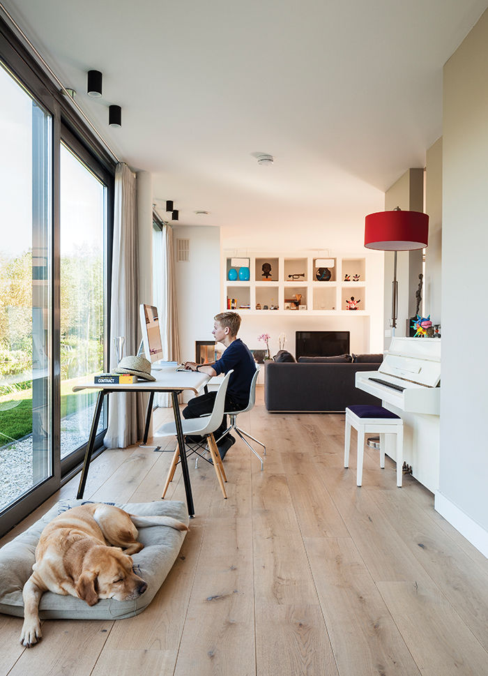 Amsterdam canal house with oak floor office space and windows