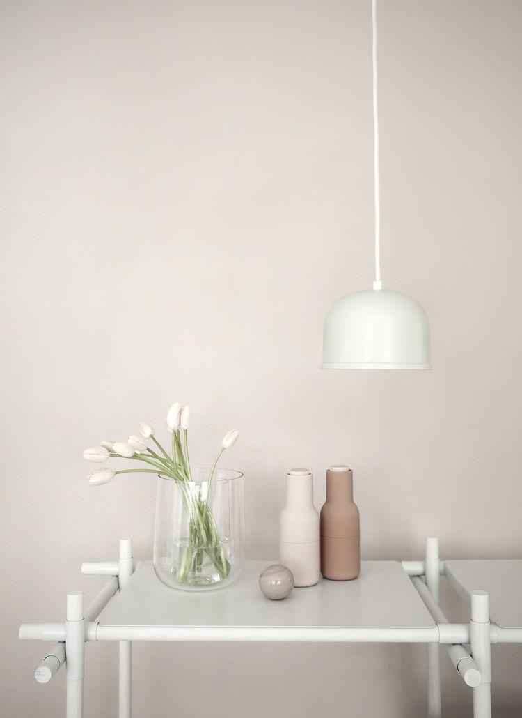 Powder-coated steel pendant light in white