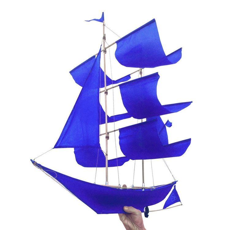 Flying kite inspired by sailing ship