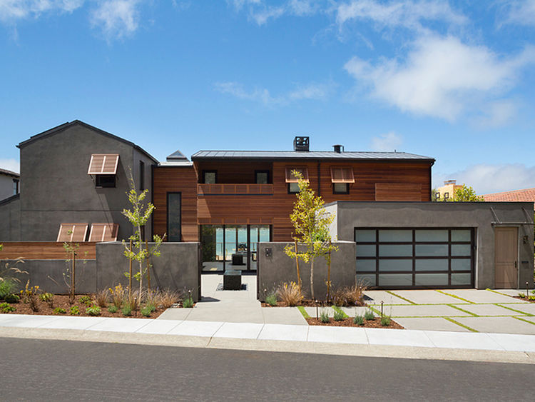 New build by the water overlooking the Golden Gate Bridge