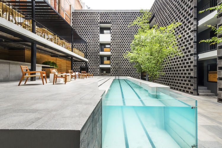 Hotel Carlota pool Mexico City