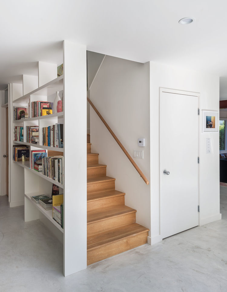 A switchback staircase frees up room in a Los Angeles house