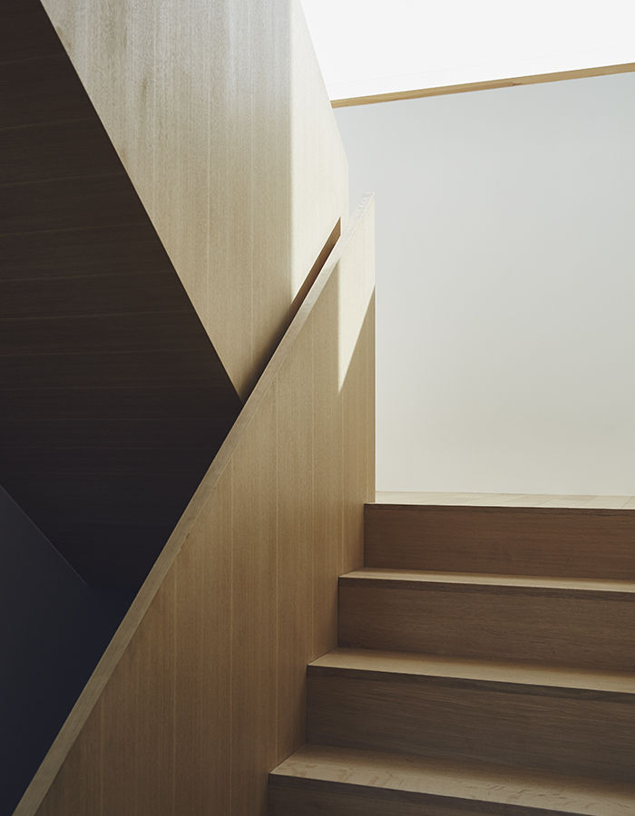 Custom wood staircase in a Toronto home